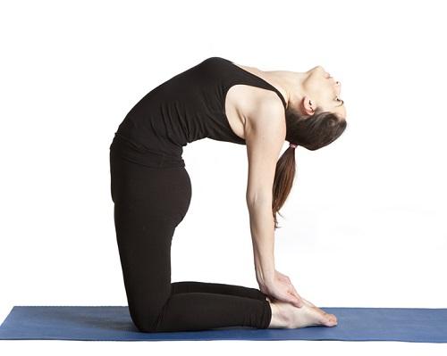 me-oi-nho-tranh-5-tu-the-yoga-trong-thai-ky-nay-keo-hai-me-hai-ca-con-me-nhe-5