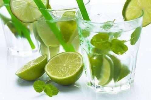 Uống canxi với nước chanh được không?