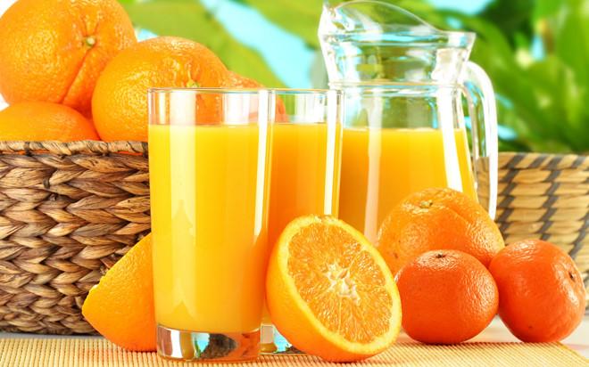 uong-cang-nhieu-nuoc-cam-cang-bo-sung-vitamin-cho-ba-bau-nhieu-lieu-co-dung-1