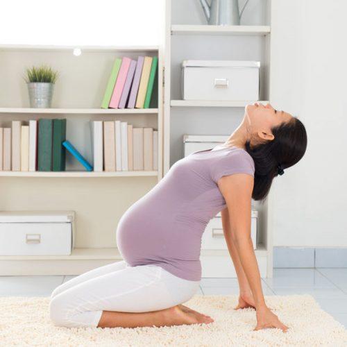 bà bầu dễ dàng vượt cạn thành công nhờ 4 tư thế yoga tiền sản này