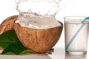 Bầu 3 tháng đầu ăn cơm dừa được không?