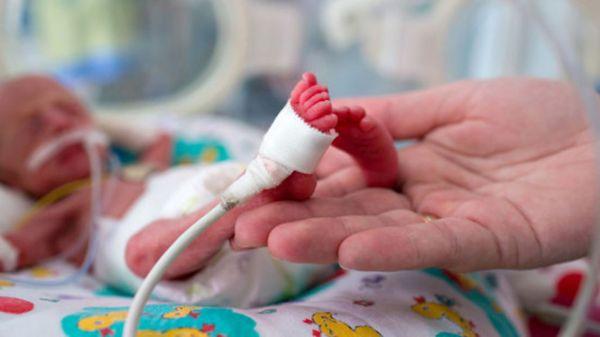 Mẹ bầu thiếu sắt khiến bé bị sinh non