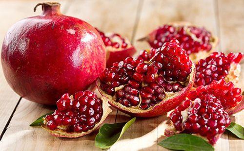 Lựurất giàu sắt và vitamin C giúp tái tạo máu hiệu quả