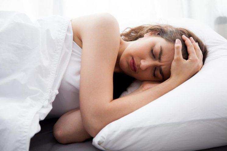 Uống viên sắt có gây mất ngủ không? Uống sắt đúng cách không gây tác dụng phụ