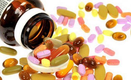 kinh-nghiem-uong-vitamin-tong-hop-cho-ba-bau-cua-chi-le-hoa-chela-ferr-forte-