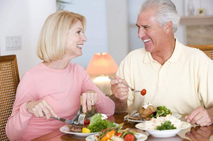 Ăn gì để có nhiều canxi cho người già